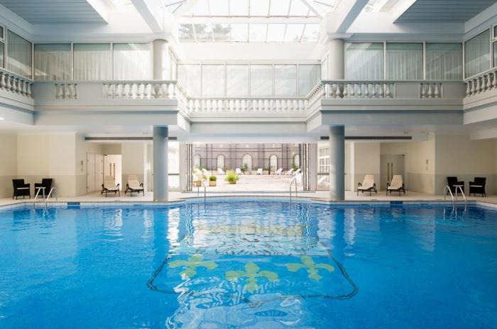 Les plus belles piscines d h tels paris blog d 39 h tel for Spa avec piscine paris