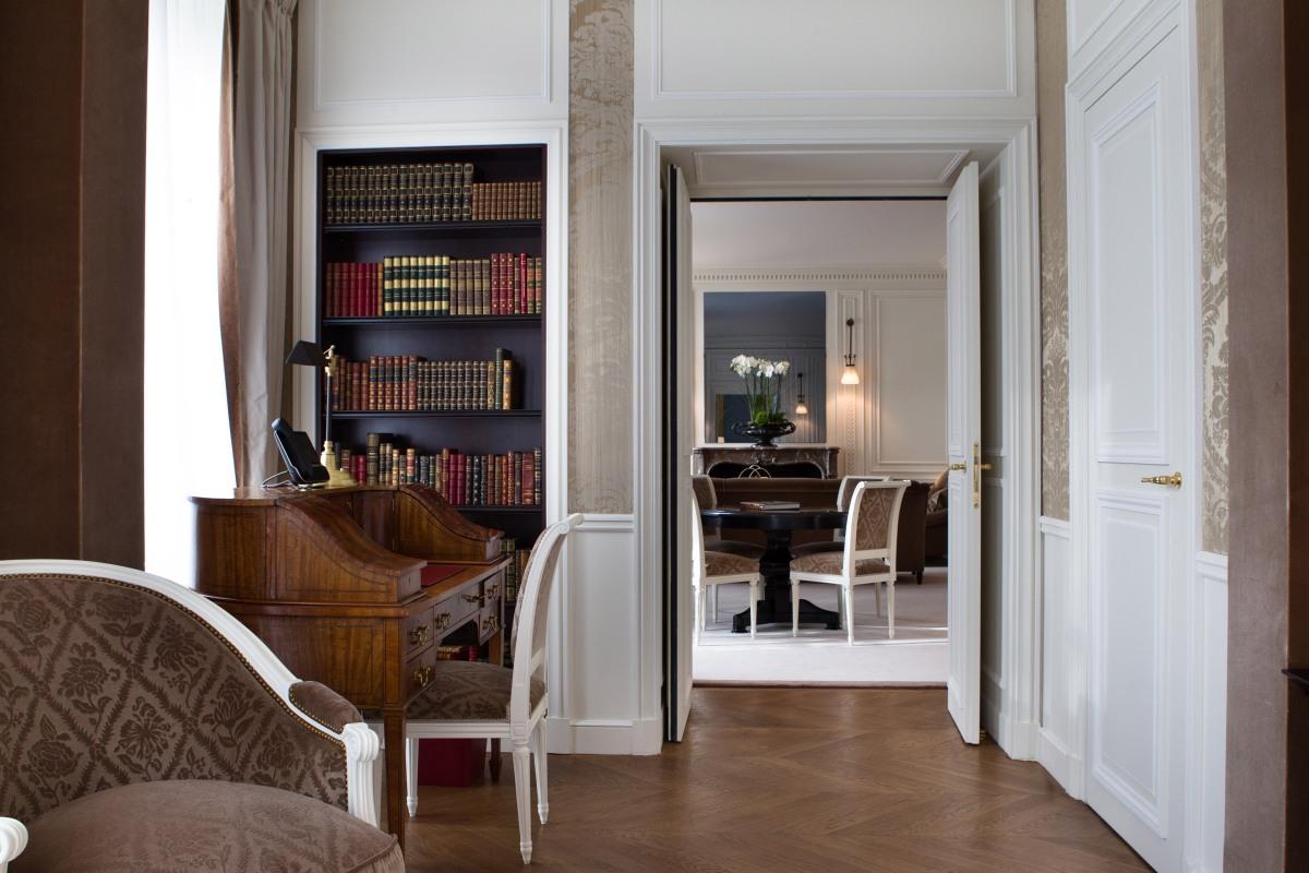La reserve paris hotel ambassador suite 4 blog d 39 h tel for Reserver un hotel a paris