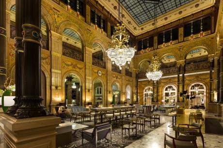 © 2015 Hilton Hotels & Resorts
