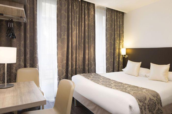 République Hotel