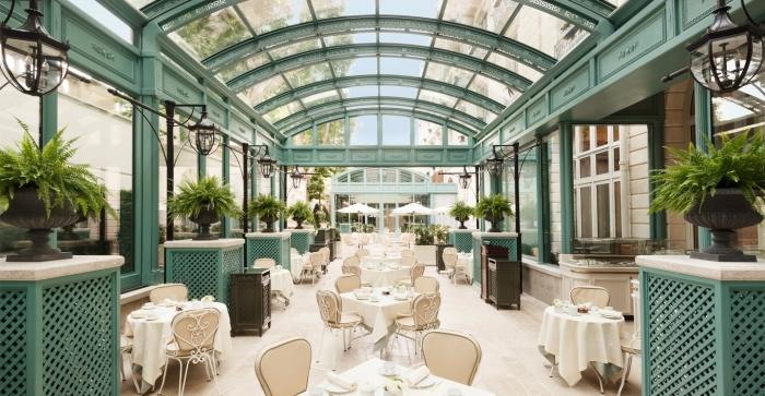 ritz-paris-hotel-bar-vendome-verriere-ete