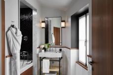 le-roch-hotel-spa-chambre-deluxe-bien-tre-53760-1600-900-auto